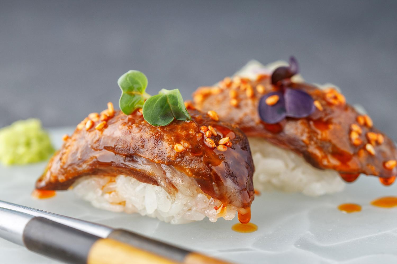 Суши с говядиной Wagyu (2шт)