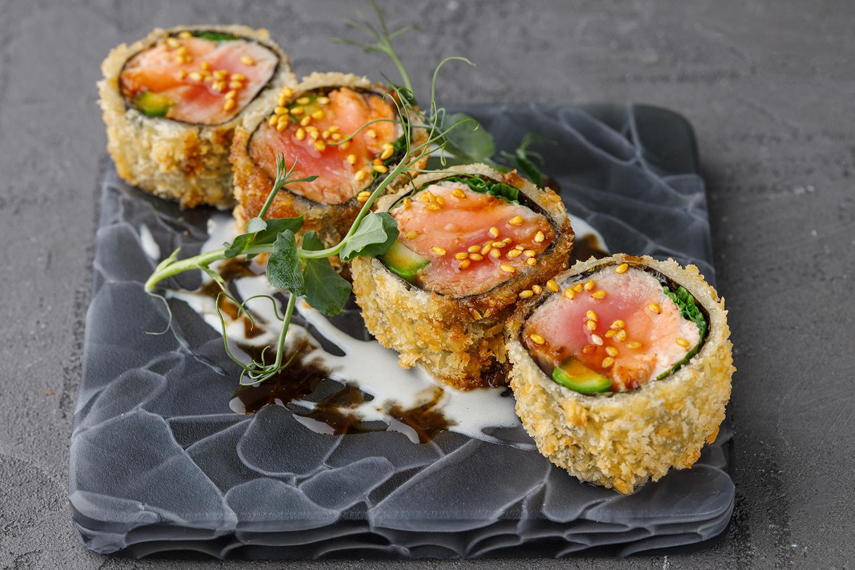 Темпура из лосося и тунца с кремом из юдзу